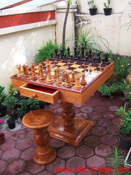 patio_wood_chess_table_02.jpg